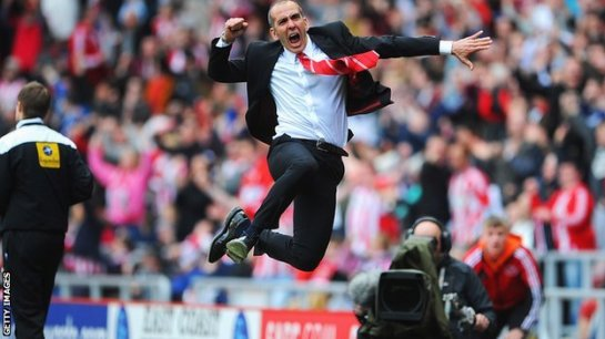 Sunderland manager Paolo Di Canio celebrates his side's 1-0 win over Everton
