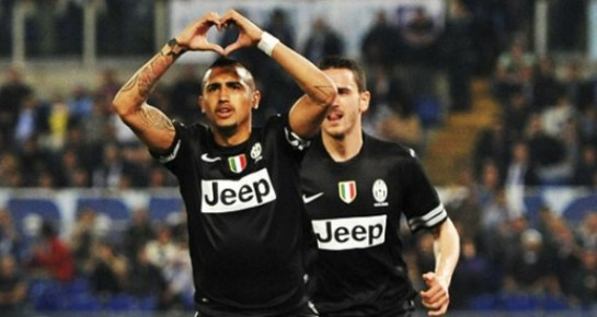 Arturo Vidal celebrates his winner against Lazio
