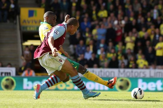 Gabriel Agbonlahor coolly slots a crucial late winner into the back of the net for Aston Villa, to give them a 2-0 win over Norwich City